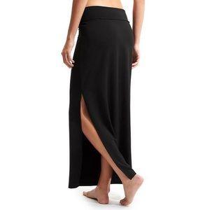 Athleta black stretchy maxi skirt size medium